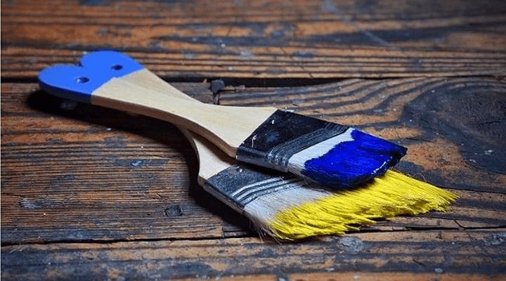 using acrylic paint on wood